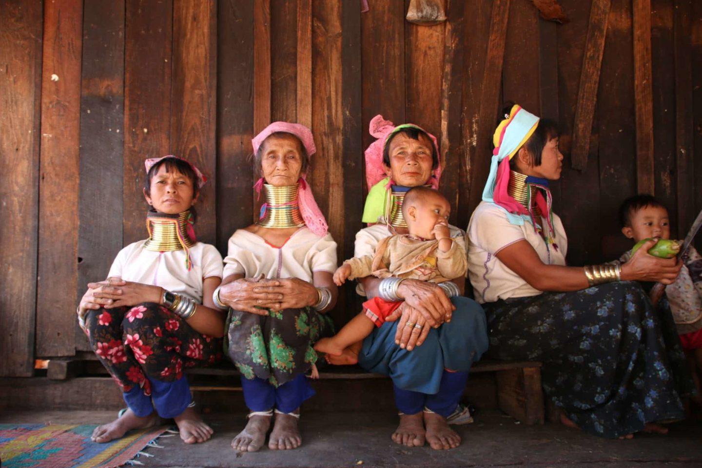 Ethnie | Qui sont les femmes girafes ?