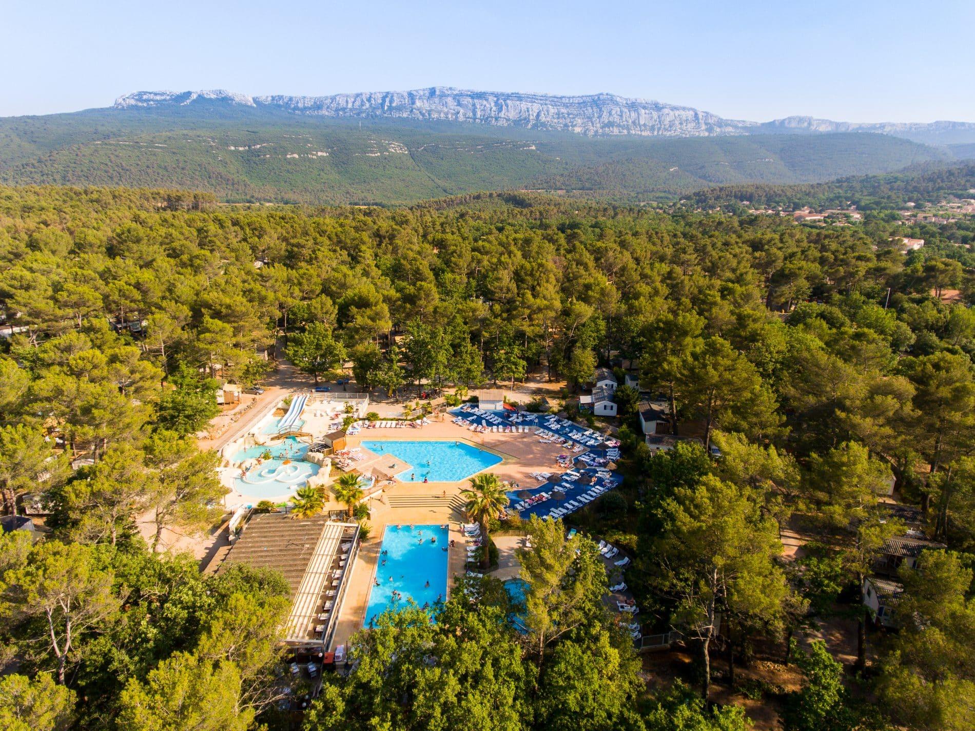 Camping   Massif de la Sainte-Baume  Provence   mademoiselle-voyage