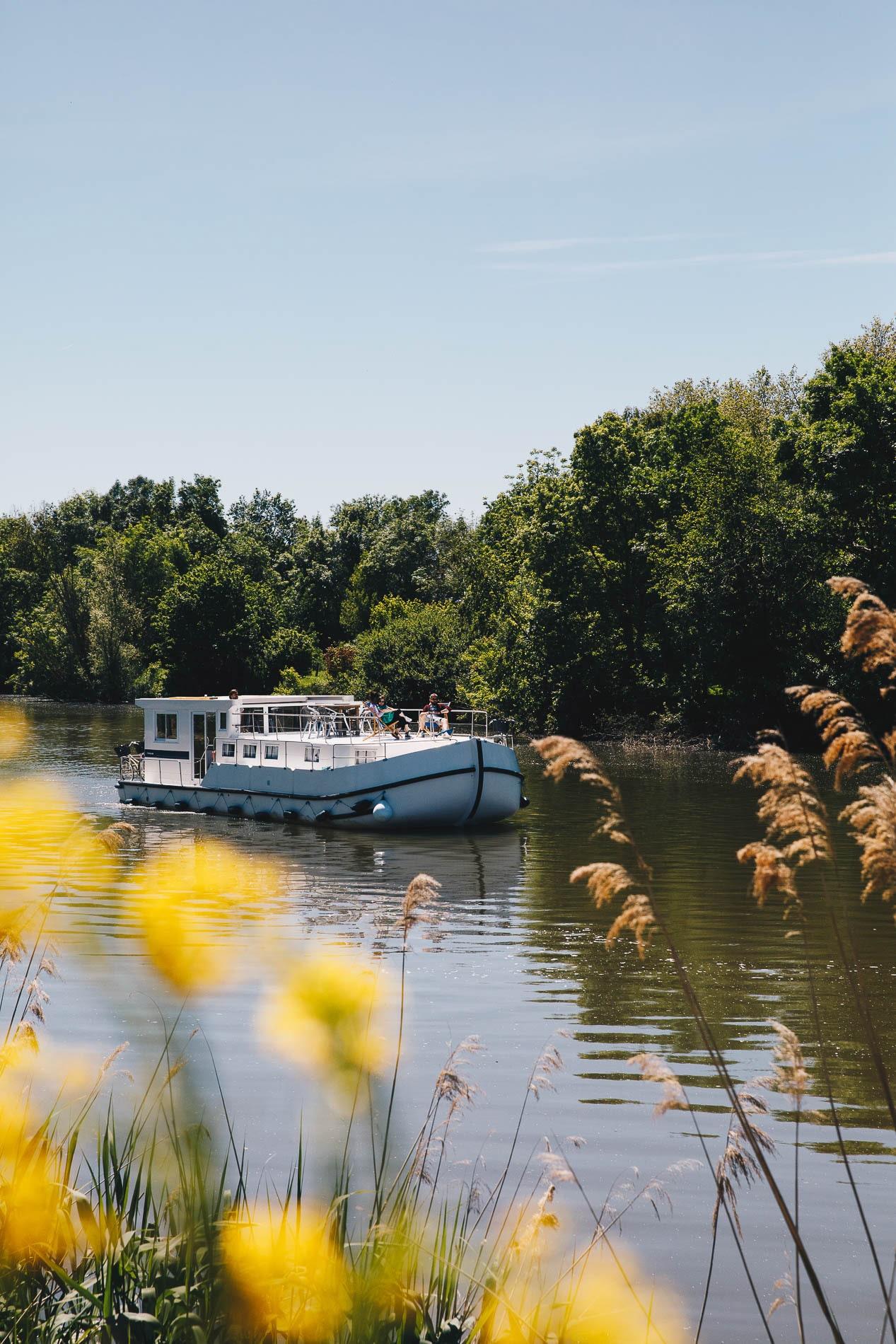 Les Canalous | On a testé la croisière fluviale entre amis en Saône-et-Loire et Bourgogne
